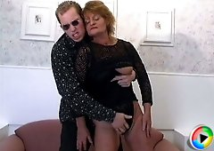 Old sexy slut spread herself open and took him in her love box
