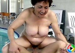 Horny old slut getting a cock bonus in a SPA for her wet mouth and snatch