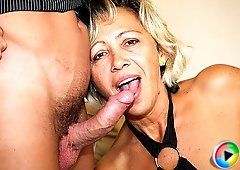 He could not resist the sultry mature blonde and he had to bone her naughty pussy hard